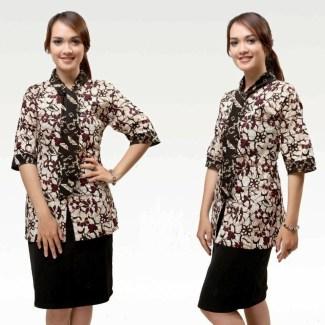 Baju Batik Formal untuk Wanita Karir