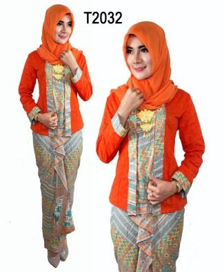 Baju Batik untuk Pramugari Muslim