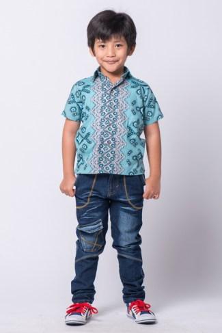 Pilihan Kemeja Batik Terbaru untuk Anak Kecil