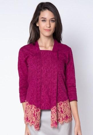 Atasan Baju Batik Wanita Lengan 3/4 dengan Kombinasi Embos