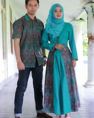 Gamis Batik dengan Kombinasi Satin Terbaik Saat Ini Baju Batik Couple dengan  Kombinasi Satin Terbaru Saat Ini a32c5e9035