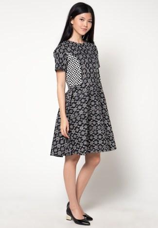Dress Batik Pendek dengan Motif Modern 2018