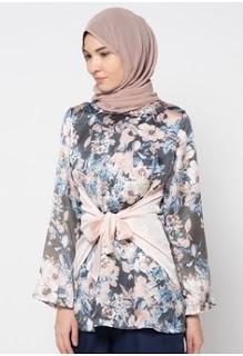 Model Baju Batik Wanita Muslimah untuk Kerja di Kantor