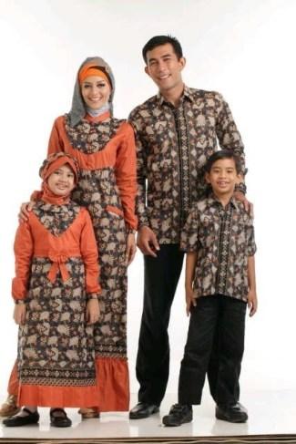 Model Baju Batik Couple untuk Keluarga