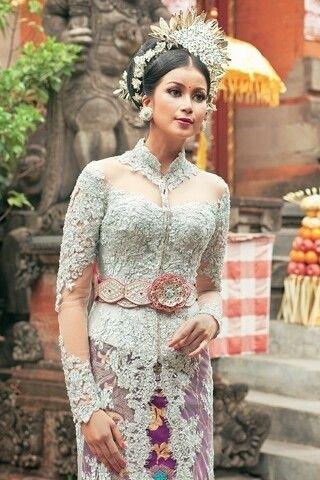 Model Kebaya Bali Paling Populer