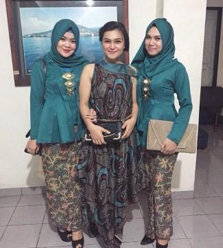 Model Kebaya Kartini untuk Muslimah