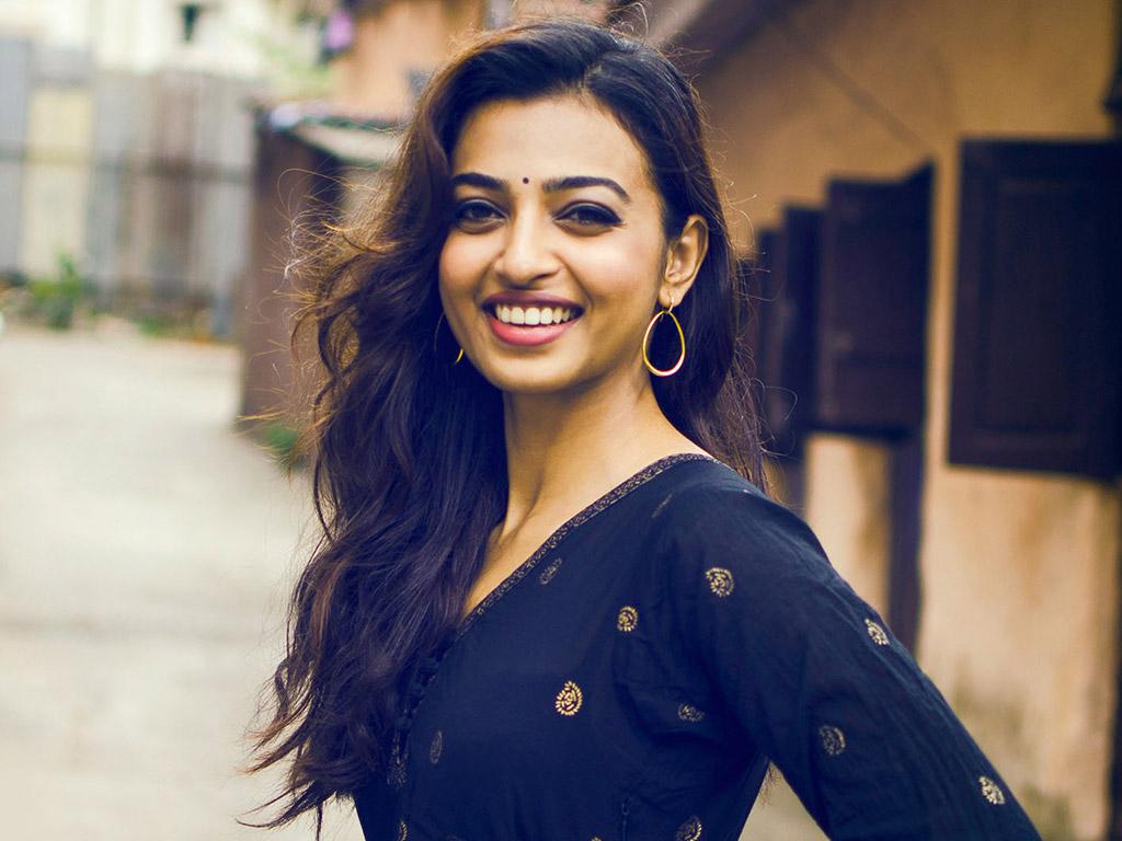 radhika-apte-smile