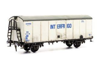 Dapol C042 Interfrigo Refridgerated Van (OO scale plastic kit)