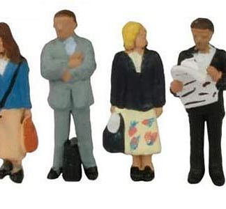 Graham Farish 379-304 Station Passengers Standing (6 figures N gauge)