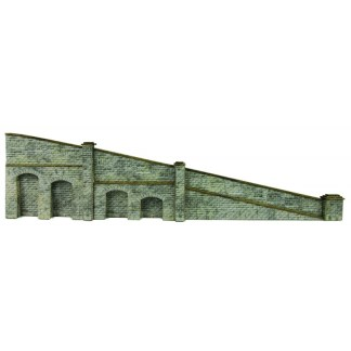Metcalfe PN149 Tapered Retaining Wall in Stone (N scale)