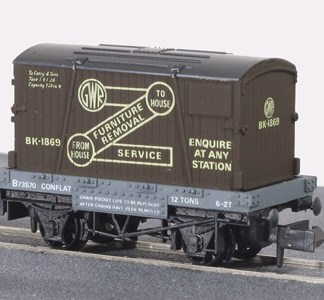 Peco NR-20 Conflat Wagon with Container - GWR Furniture Removals (N gauge)