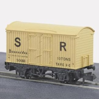 Peco NR-42S Box Van, Banana, SR, cream (N gauge)