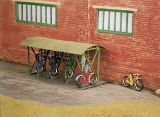 Wills SS23 Bicycle Shed & Bicycles (OO gauge plastic kit)