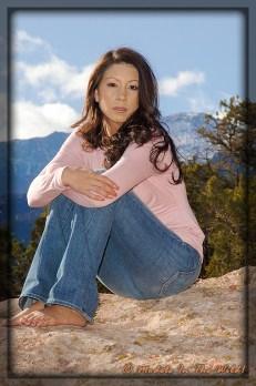 Laura: Model On The Rocks