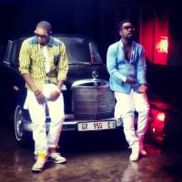 FIRST BACKSTAGE PICS OF STANLEY ENOW & SARKODIE IN GHANA