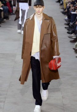 louis-vuitton-supreme-fw17-08-317x460