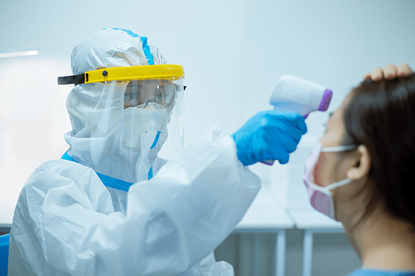Are You Protected In This Pandemic Using Safety Gowns?