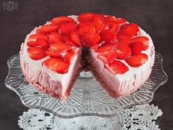 keto truskawkowe ombre cake