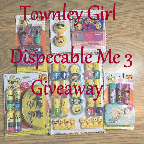 Townley Girl Despicable Me 3 Minion Surprise Packs #Giveaway (2 winners) #AD