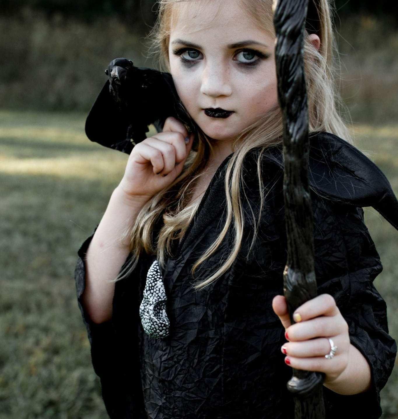 maleficent crow upclose 2