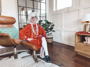 Iris Apfel costume featured by top US lifestyle blog Modern Day Moguls