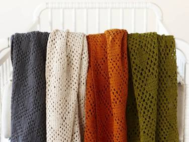 21. Diamond Crochet Mini Blanket