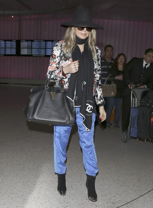 Fergie Arrives at LAX After European Vacation