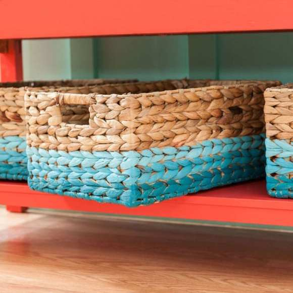1-painted-baskets-101910373