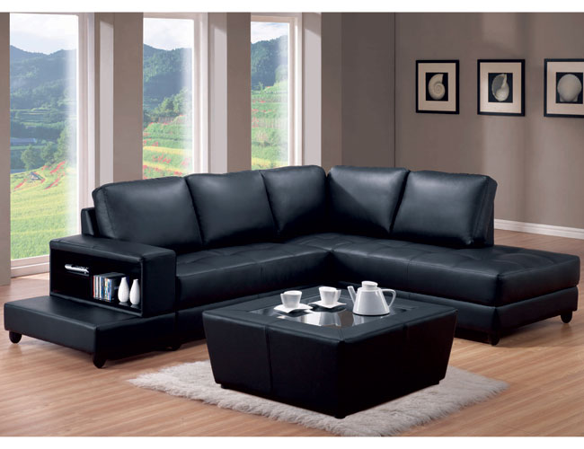 Decorating Around A Black Leather Accent Chair