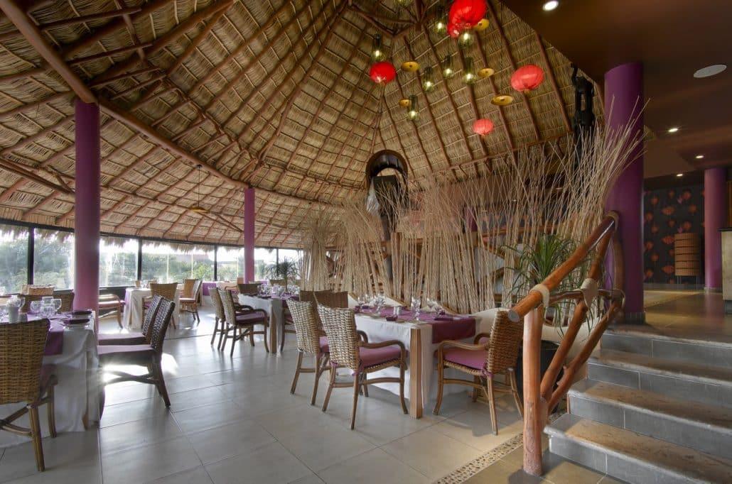 Grand Palladium Vallarta Resort Wedding Modern