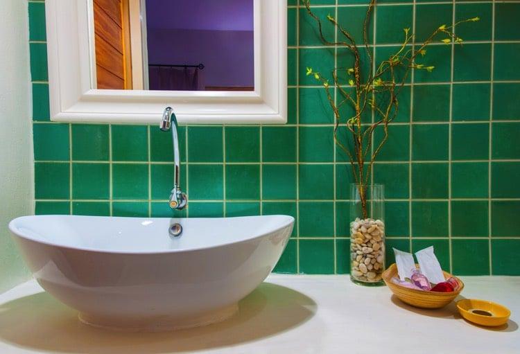 salle de bains verte 125 idees pour creer salle de bain equilibree et sereine