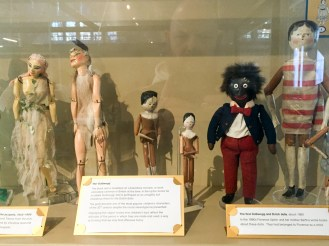 dutch-dolls-and-the-golly