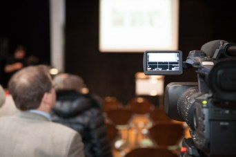 """5. April 2013, kurz vor 17.00 Uhr: letzte Vorbereitungen zur Festveranstaltung """"Louise Dumont an Gustav Lindemann"""" im Theatermuseum der Landeshauptstadt Düsseldorf"""