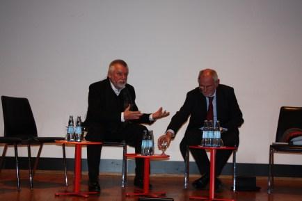 Streitgespräch im Museum für Angewandte Kunst Köln, Prof. Dr. Gerhard Hirschfeld und Prof. Dr. Gerd Krumeich. Foto: Burbass/LVR