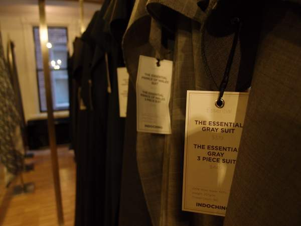 Indochino-DC-suit-bolt