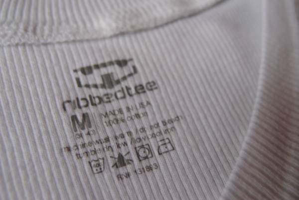 Ribbed-tee-v-neck-shirt