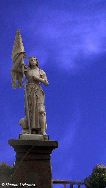 Pondicherry_French_statue