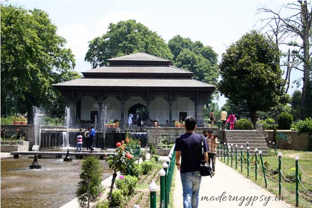 Mughal garden Shalimar Bagh Sringar in a day