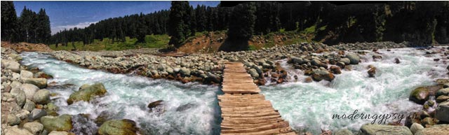 Doodhpathri river Kashmir