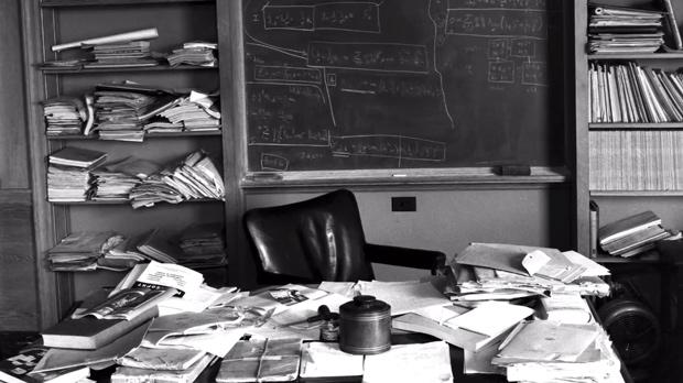 Albert Einstein's messy desk