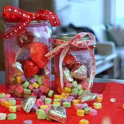 Do It Yourself: Valentine's Day Mason Jar Treats