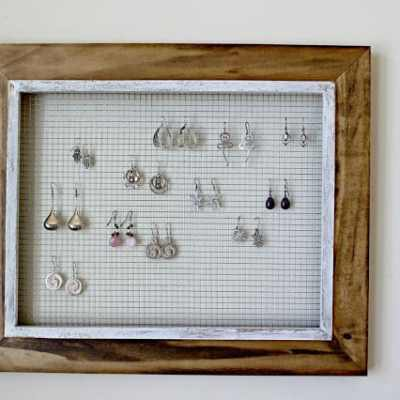 Do It Yourself: Picture Frame Earring Display