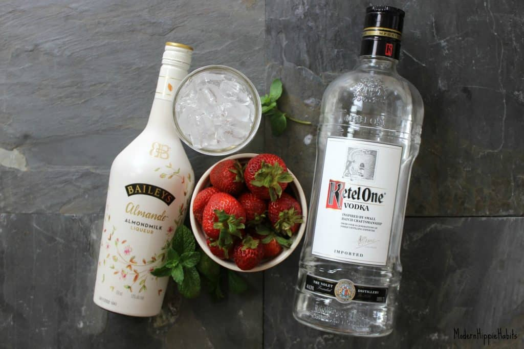 Baileys Strawberries and Cream Cocktail