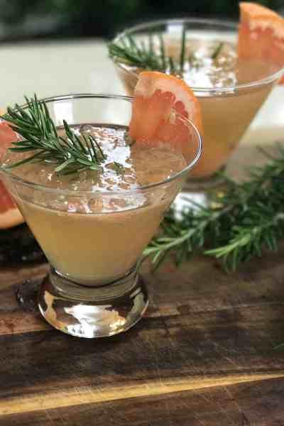 rosemary-grapefruit white wine spritzer