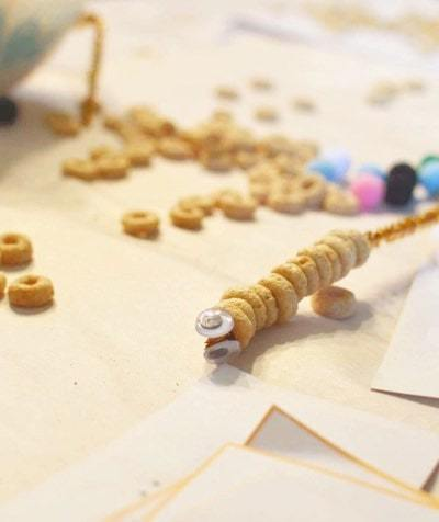 Cheerio Caterpillars (Fine Motor Skills Activity For Toddlers and Preschoolers)
