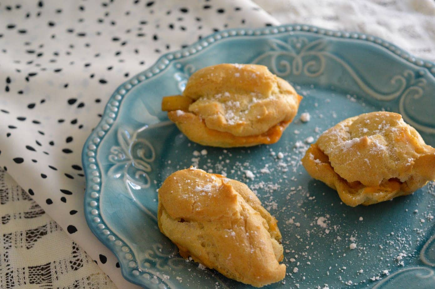 Apple Cream Puffs