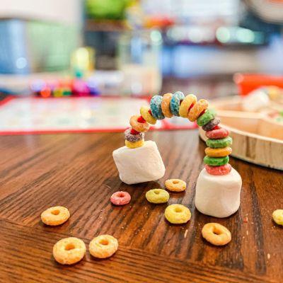 Froot Loop Rainbow Activity for Toddlers & Preschoolers