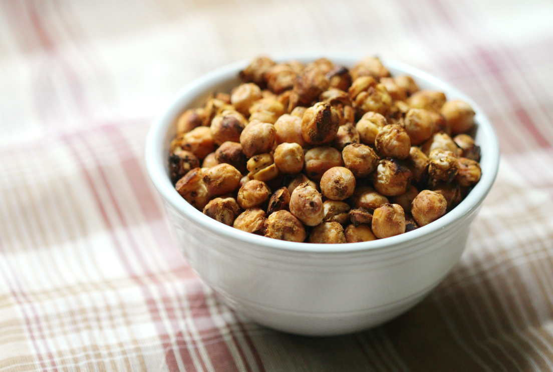 Pumpkin Spice Roasted Chickpeas