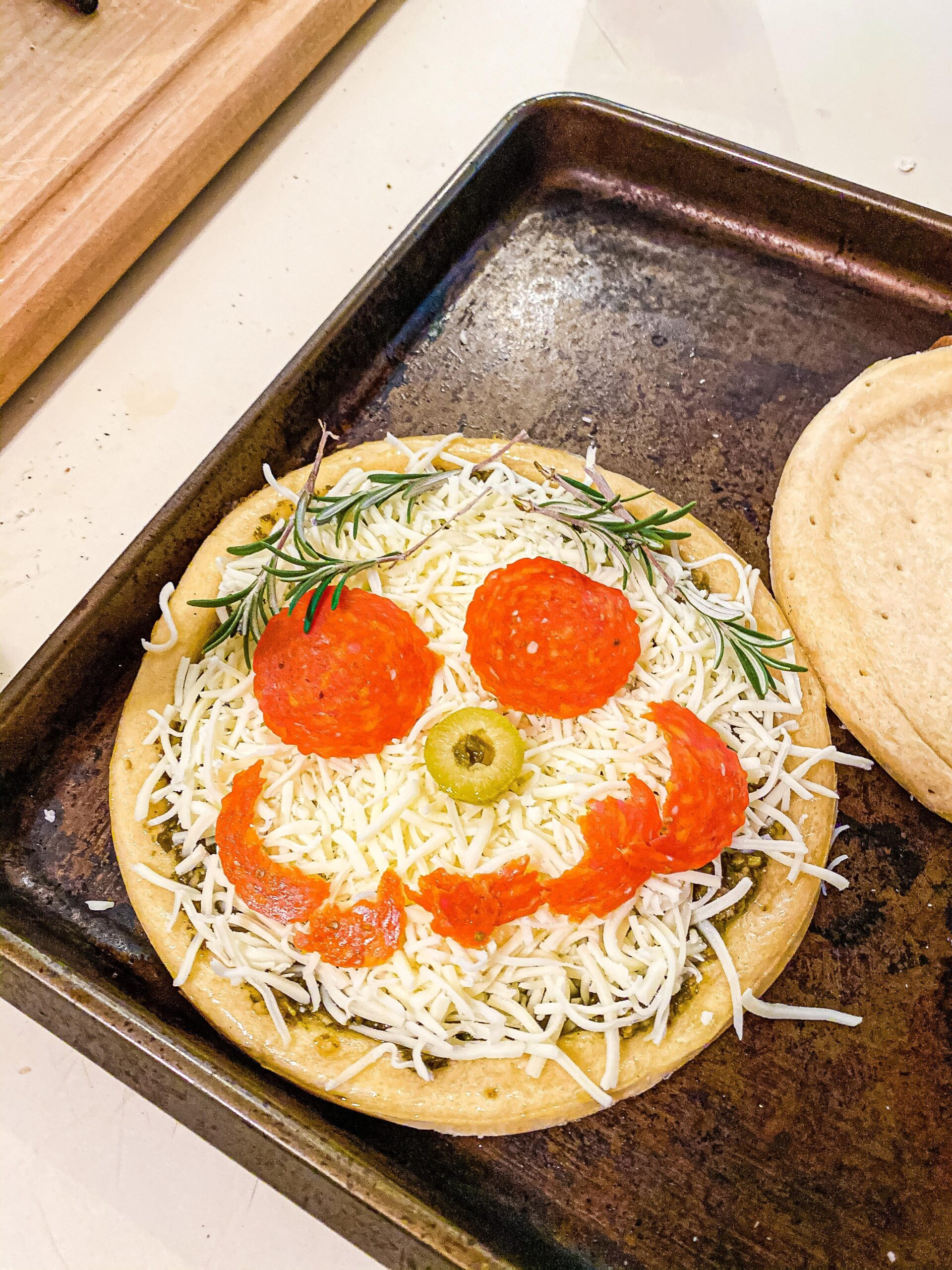 Self-Portrait All About Me Pizza Activity for Preschoolers