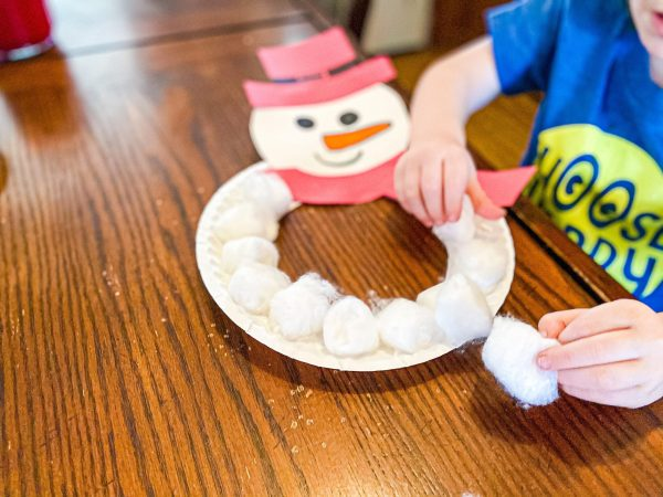 Snowman Paper Plate Wreath Craft